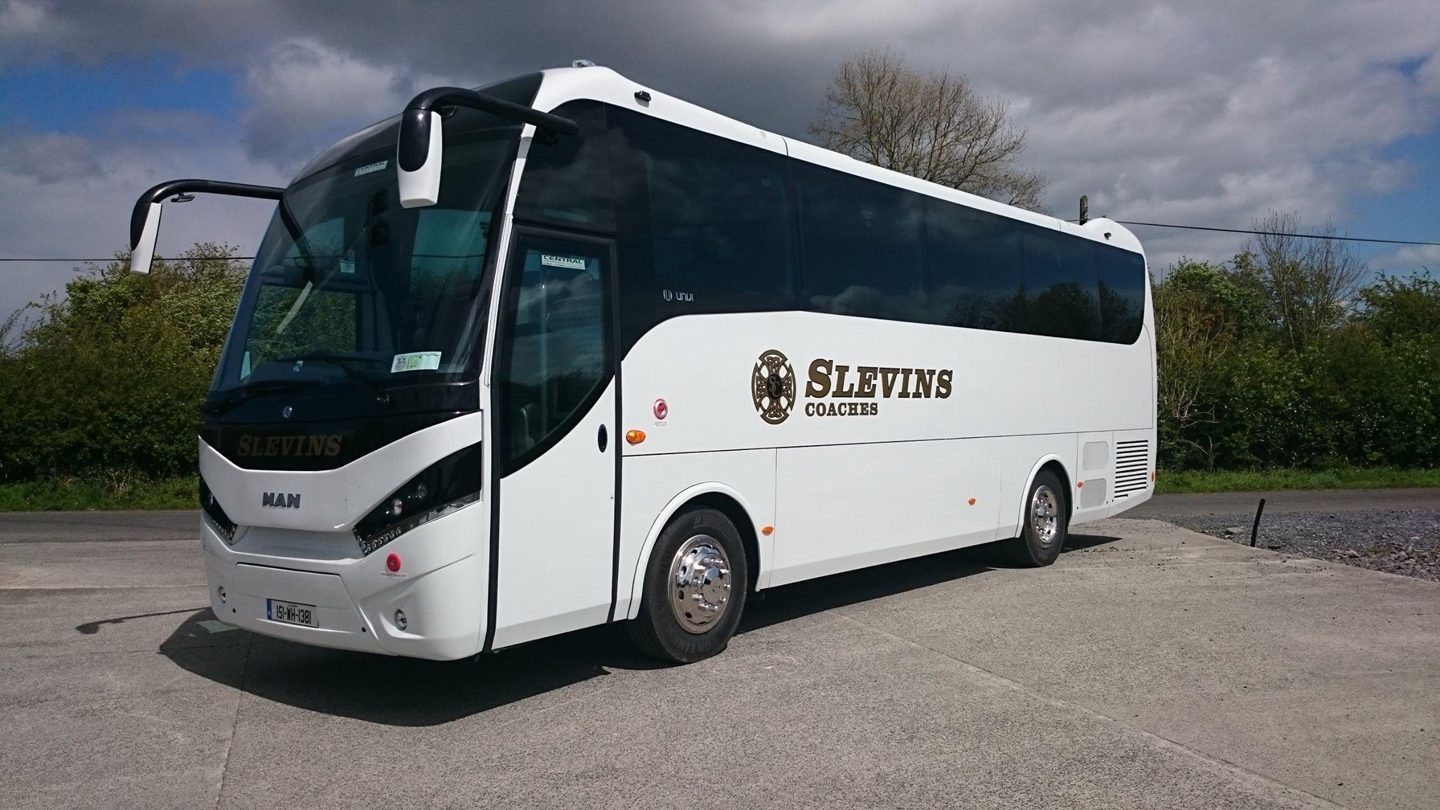 UNVI Touring 44 Seater